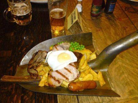 Великобритания, еда с лопаты