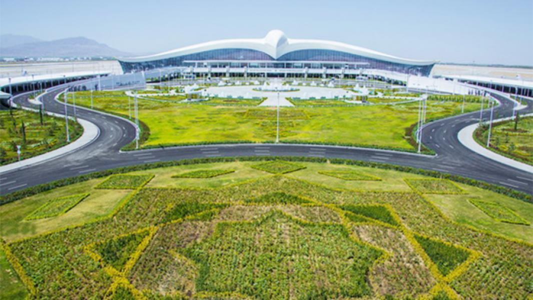 В 2016 году в Ашхабаде открылся аэропорт в виде сокола