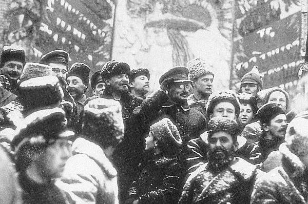 Ленин, Троцкий, большевики