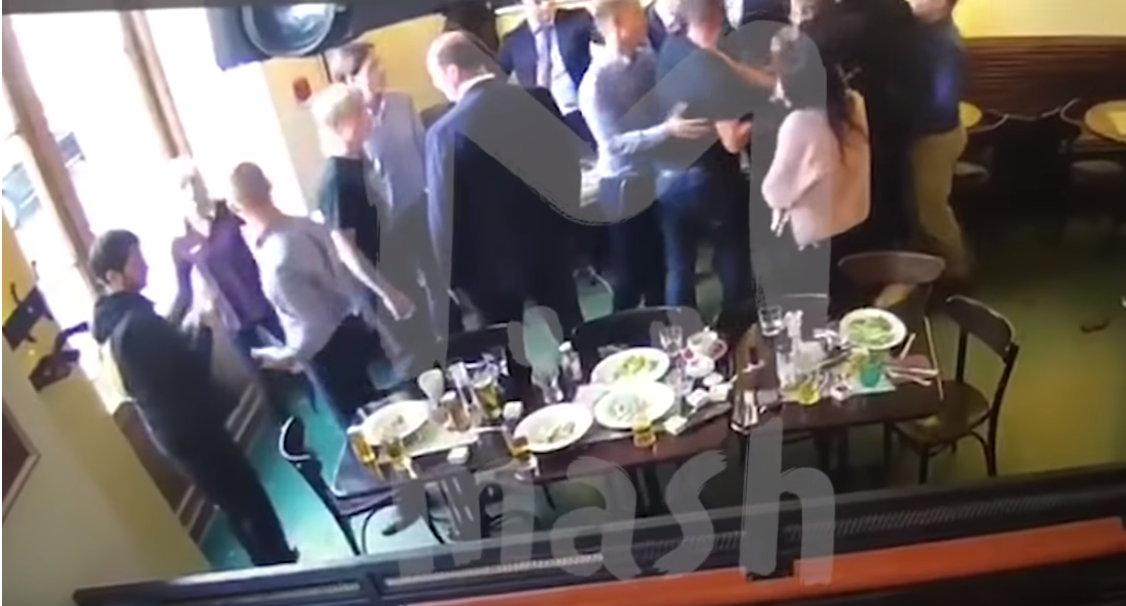 Кокорин и Мамаев подрались с чиновниками