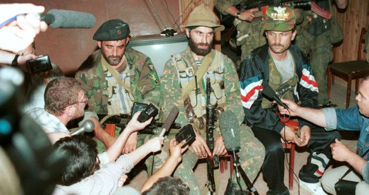 Шамиль Басаев в Будёновске, 1995 год