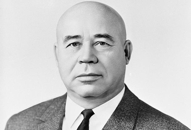 Петр Ефимович Шелест