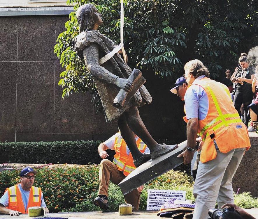 В Лос-Анджелесе снесли памятник Христофору Колумбу