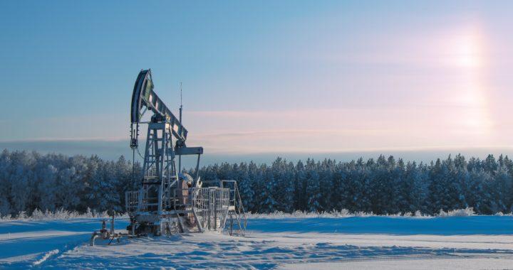 Нефтяная вышка зима Россия