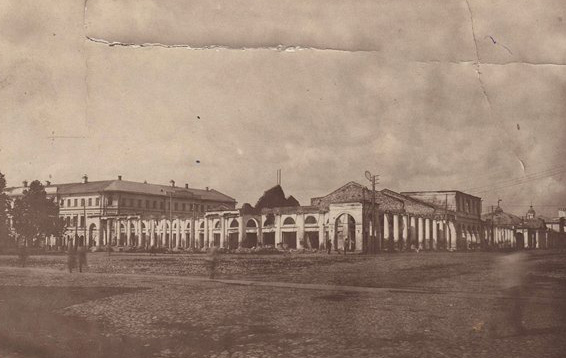 Площадь Богоявления в начале обстрелов