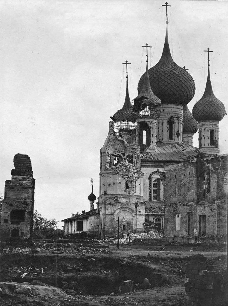 Церковь Петра и Павла, повреждённая артиллерией во время подавления восстания
